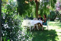 Colazione in giardino al B&B il Casale