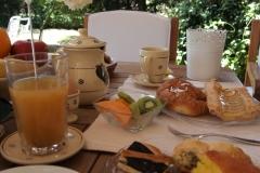 il casale la colazione sotto al portico